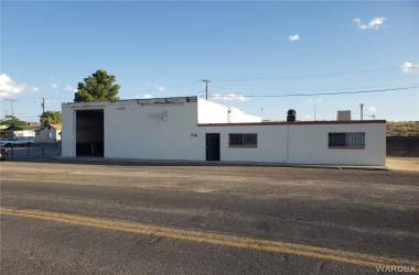 716 Topeka Street, Kingman, Arizona 86401, ,Commercial,Excl Right To Sell,Topeka,973575
