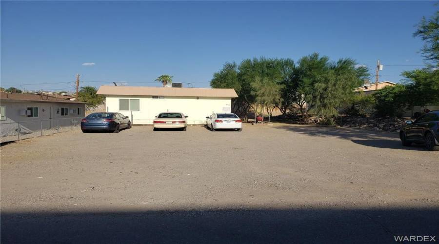 1558 Sierra Vista Drive, Bullhead, Arizona 86442, ,Commercial,Excl Right To Sell,Sierra Vista,973584